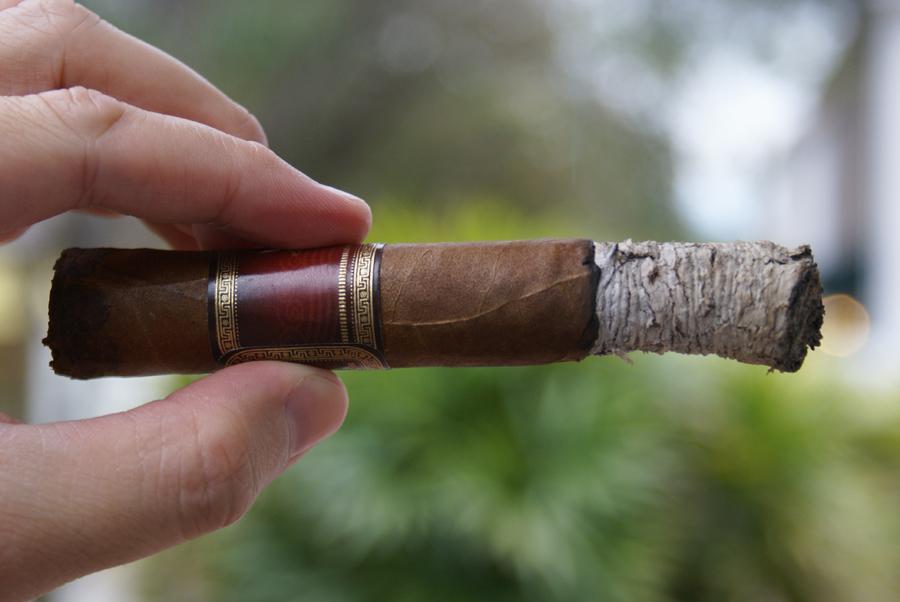 La Flor Dominicana - Airbender - Matatan Curved Ash